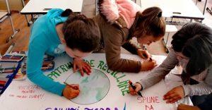 Activitatea încununată de succes datorită efortului comun al elevilor, părinților și cadrelor didactice.